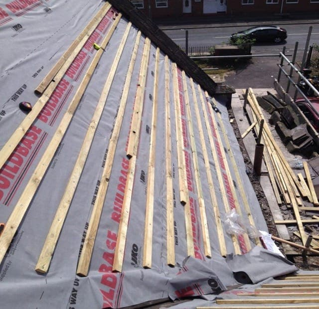 Latting and felting Roofs in S